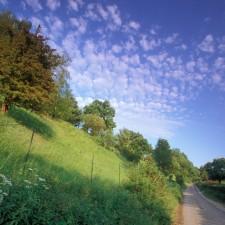 Wandelen tussen Jeker en Maas - Eben-Emael, startplaats Moulin de Broukay (oranje)