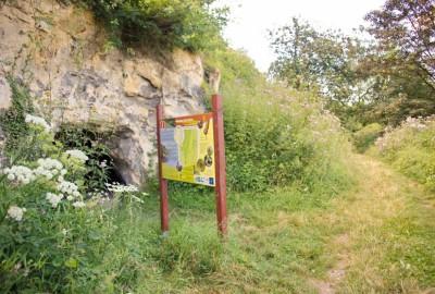 Wandelen tussen Jeker en Maas - Lanaye, startplaats Place Roi Albert (rood)